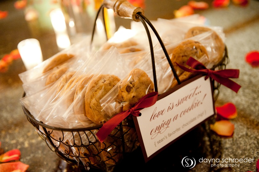 46 Westin river north chicago wedding dayna schroeder photography sweetchic events chocolate chip cookie wedidng favors