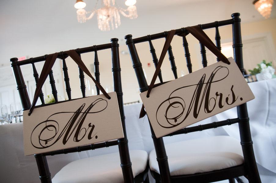 60. Melissa.Dave. Wilder Mansion. Dennis Lee Photography. Sweetchic Events. Mr. & Mrs. Signs