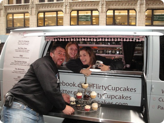Flirty Cupcakes Chicago cupcake truck 6