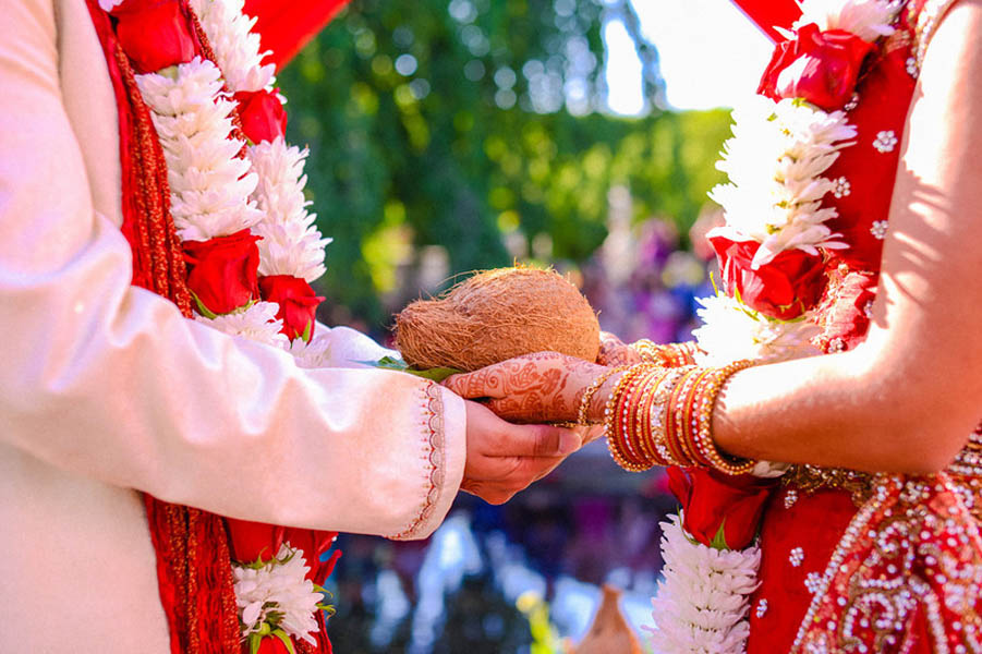 Indian Wedding. Botanic Gardens Wedding. Fragola Productions. Sweetchic Events. Red and White Ceremony Garlands.