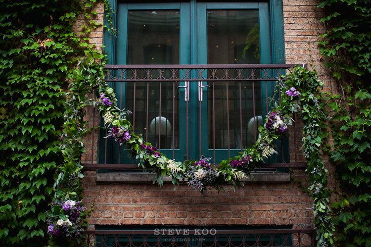 Sweetchic-Events_Ivy-Room-ceremony_greenery-garland