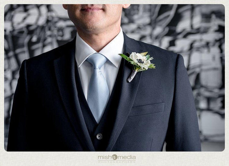 Sweetchic-Events_Lacuna-Lofts_anemone-boutonniere