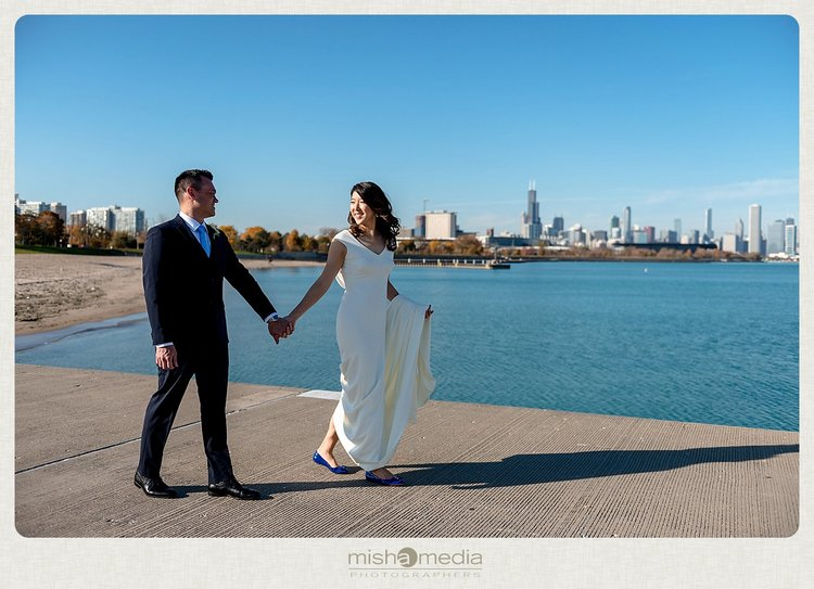 Sweetchic-Events_Lacuna-Lofts_simple-wedding-reception_chicago-skyline-wedding-photos