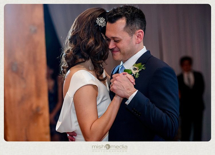 Sweetchic-Events_Lacuna-Lofts_rustic-wedding-reception_first-dance
