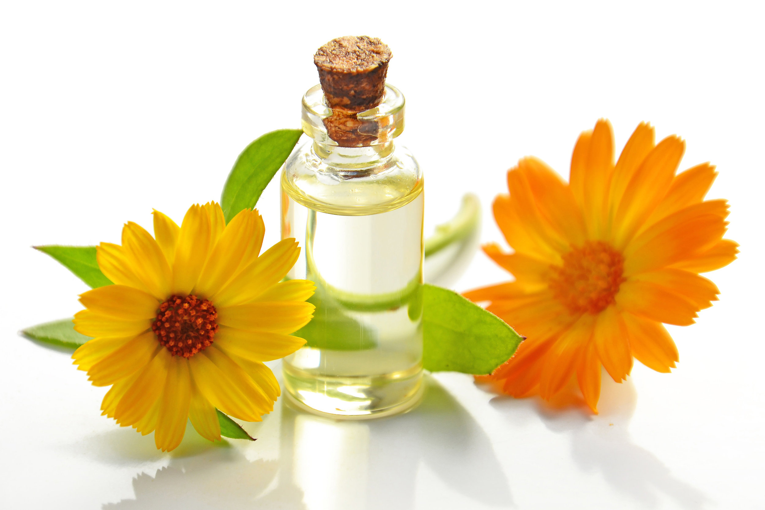 aromatherapy-bottle-bright-932587_e.jpg