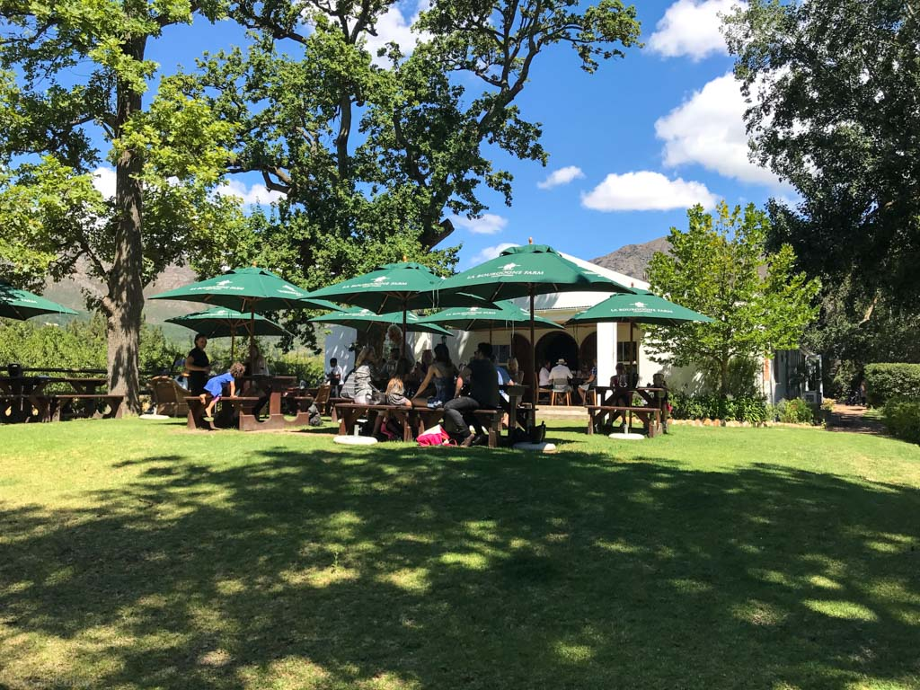 Lunch on the lawn at La Bourgogne