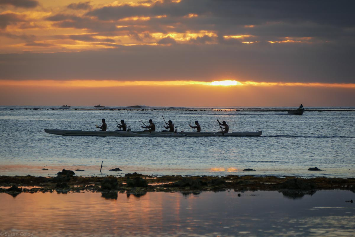 Spectacular sunset and outrigger at MiriMiri Guest House