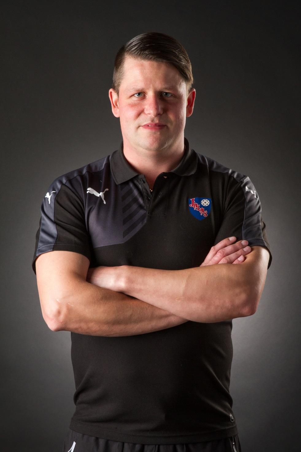 Valmentaja:   Antti Kallioniemi