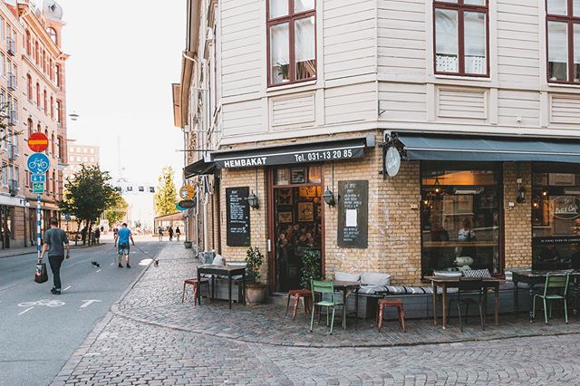 Another corner of Gothenburg's streets 🌆  #roadtrip #sweden #sverige #visitsweden #vacation #summertime #summer #urbanphotography #bakery #coffeeshop #gothenburg #goteborg #instagood #picoftheday #sunset #citylife #city #light #ontheway #camping #vanlife #beach #nikon #lightroom #adobe #streetphotography #TheStrineholms = #love #art #technology