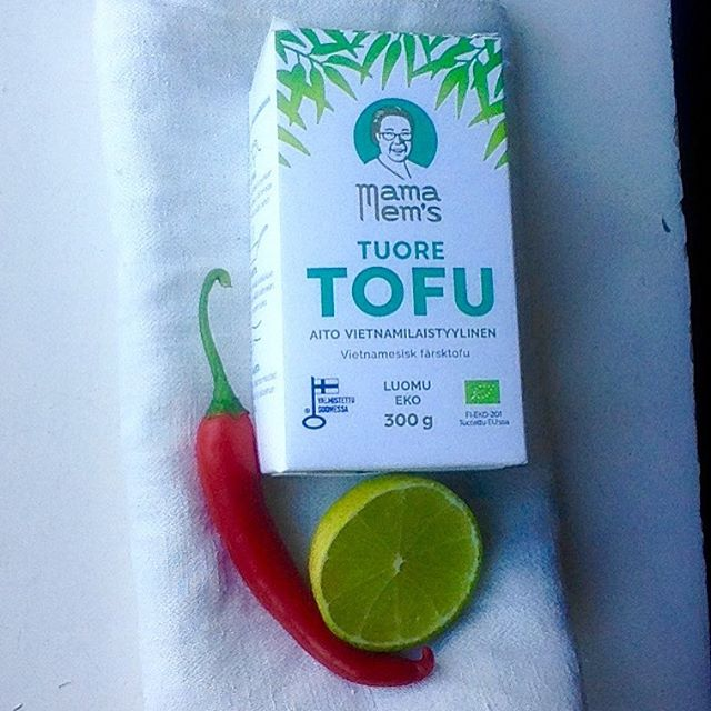 Uusi resepti tulossa lähipäivinä! Katso parhaat tofureseptit ja ruokavinkit: www.mamamems.fi 🌱👍🌶 #mamamems #tofu #luomu #tuore #vietnamese #vegaaninen #vegeruoka #kasvisruoka #madeinhelsinki #vege #organic #mamamemstofu