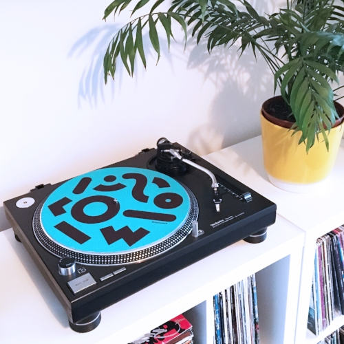 dropscotch-binghampton-slipmat-vinyl-pattern-in-situ-cool-turquoise.JPG