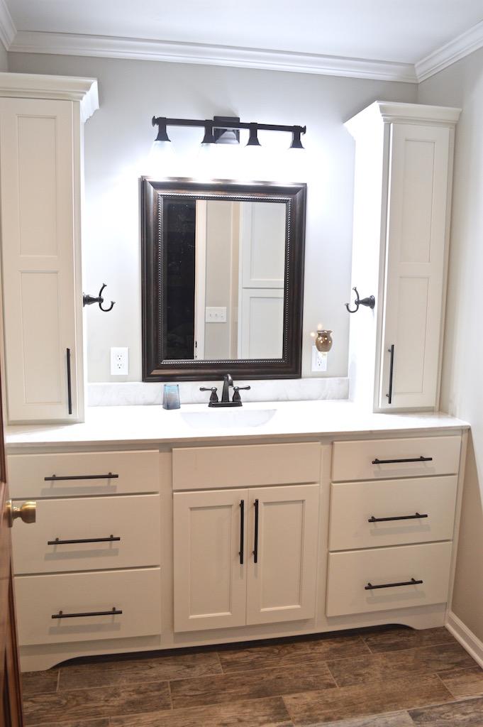 white-bathroom-vanity.jpg