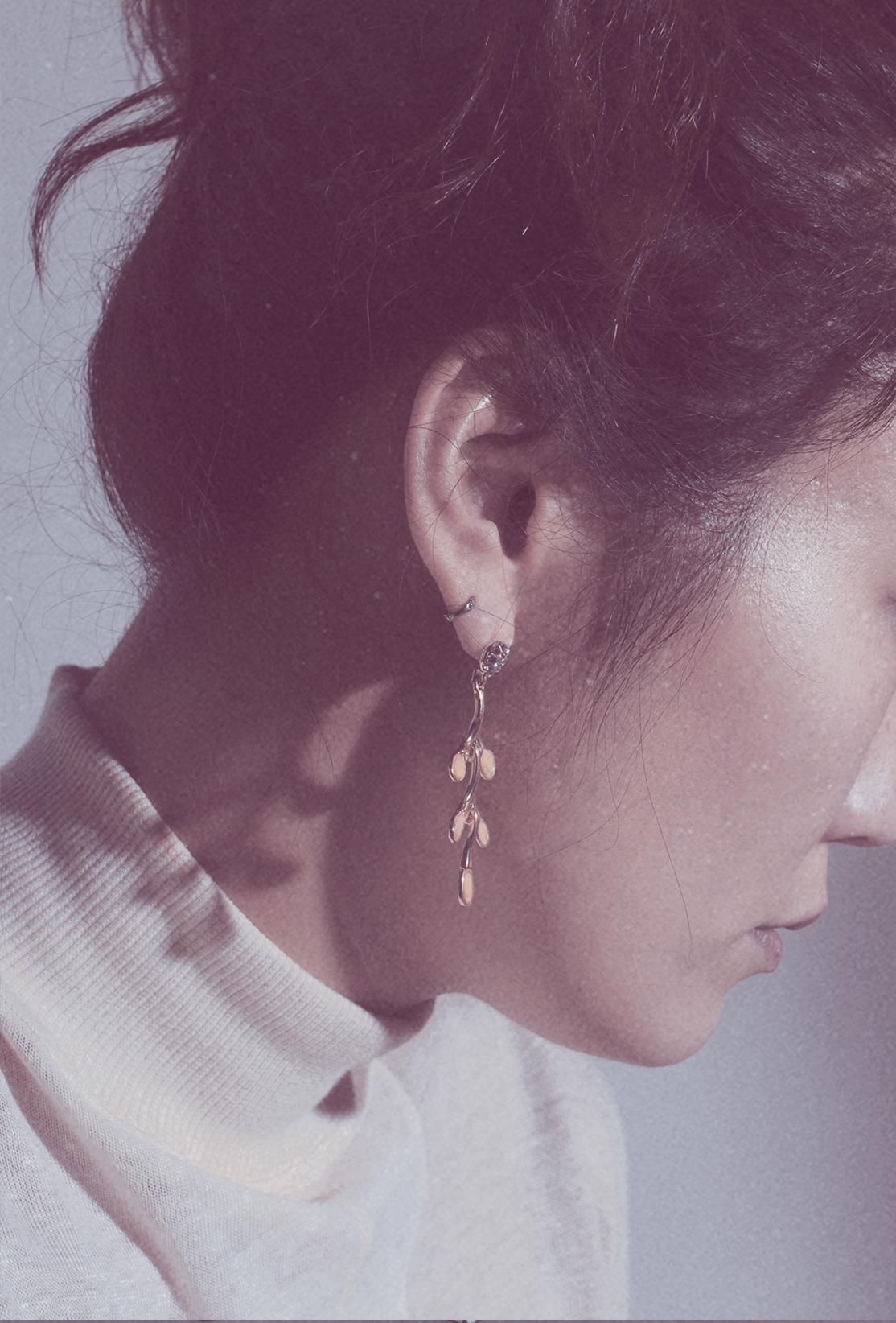 Photo6-Dress Unravelau, earrings Casa Jewelry.jpg