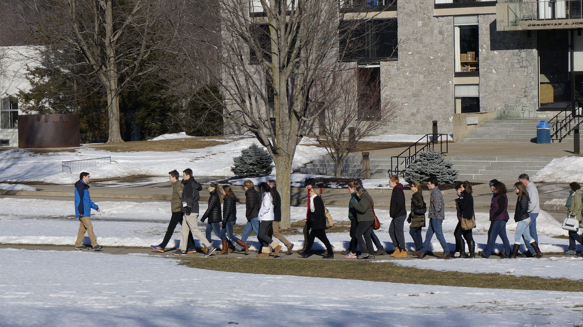 Students and PArents on a College Tour in the Winter. Links to Blog Page.