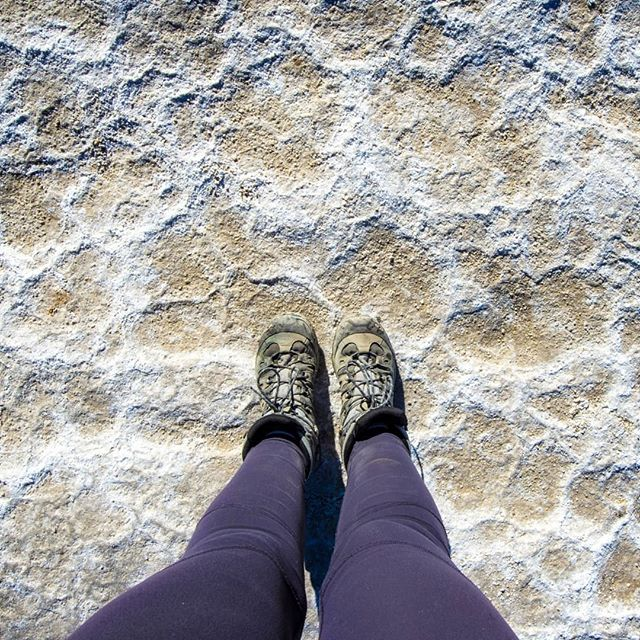 Every inch of this park is fascinating. The sky, the rocks, the plants and yes even the dirt! This dirt is being pushed aside by salt coming up through the cracks. This is the entrance on to the giant salt flats of Badwater!  #keepitwild #simplyadventure #wildernessculture #lifeofadventure #liveoutdoors #beautifuldestinations #roamtheplanet #discoverearth #wherewillwegonext #makemoments #exploremore #stayandwander #goexplore #destinationearth #familytravel #exploringtheworld #welltravelled #lovelifeoutside