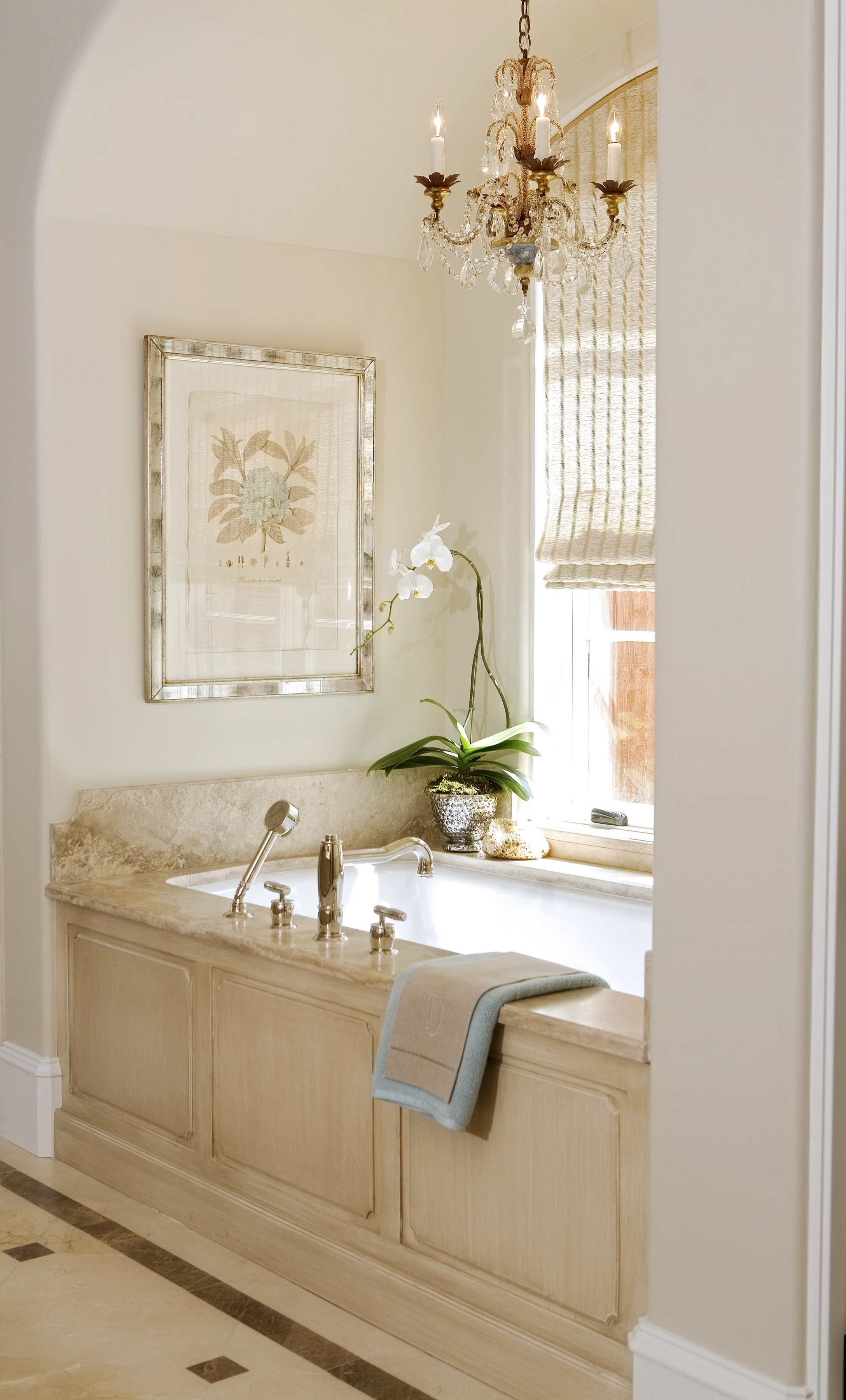 24.Master bathroom.jpg