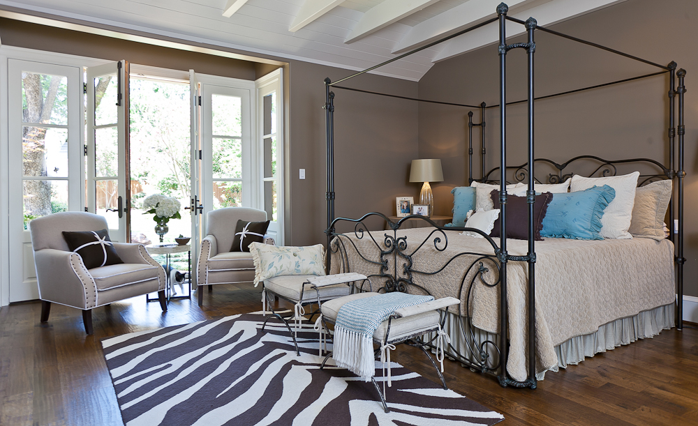 19.Master bedroom.jpg