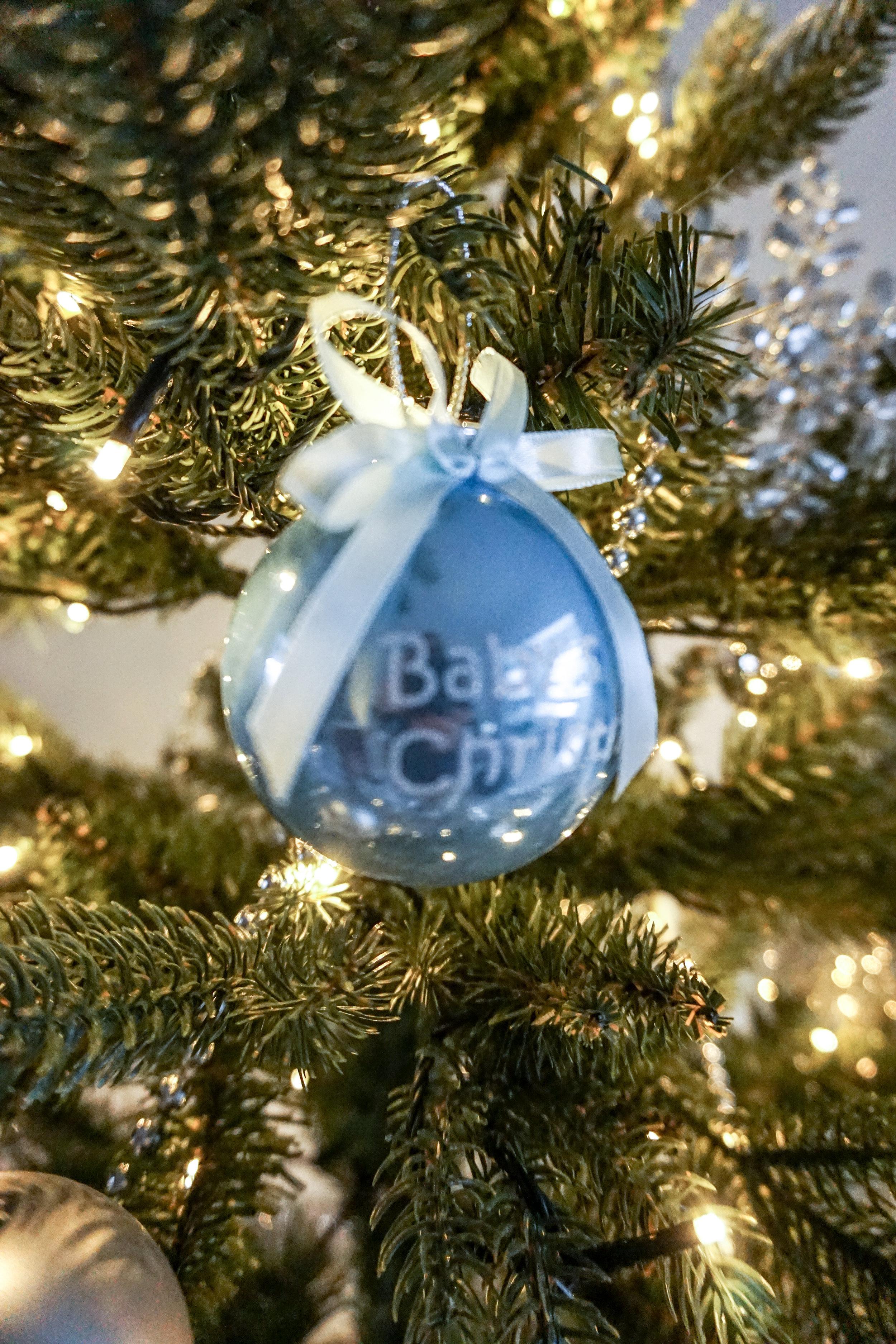 babys-first-christmas-joulupallo.jpg