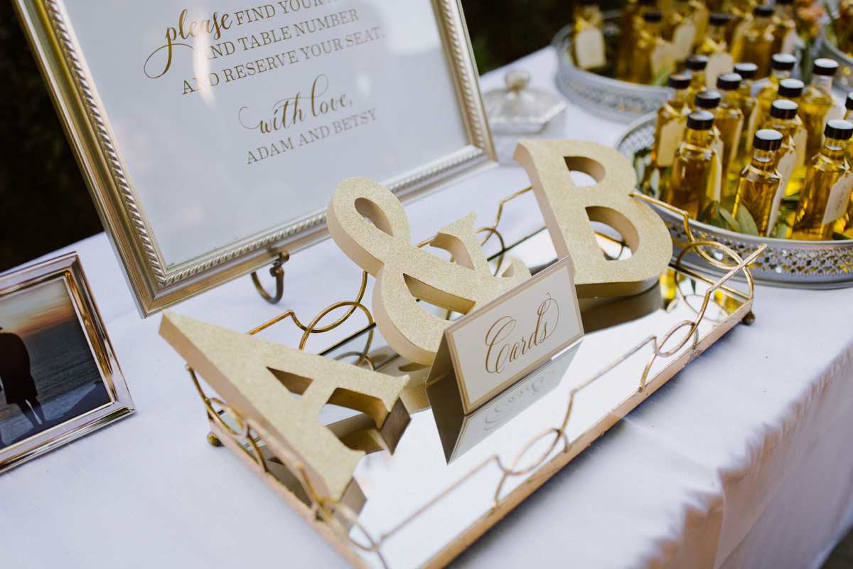 Wedding guest greeting table