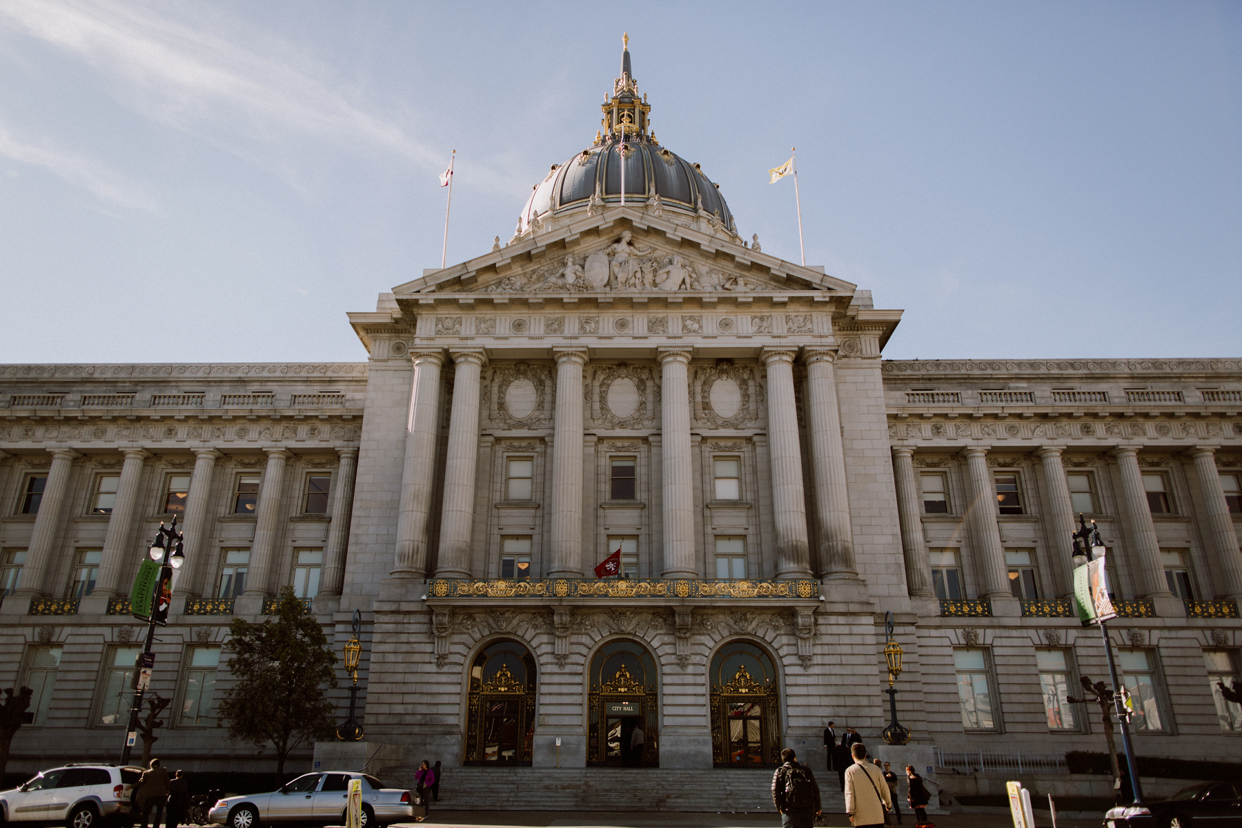 The exterior of San Francisco City Hall.