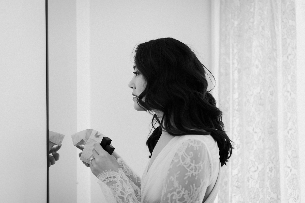 Bride getting ready at the Falkirk Cultural Center.