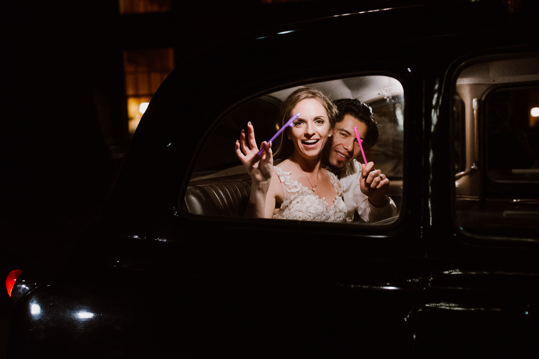 Bride & Groom exit in the taxi at Nestldown.