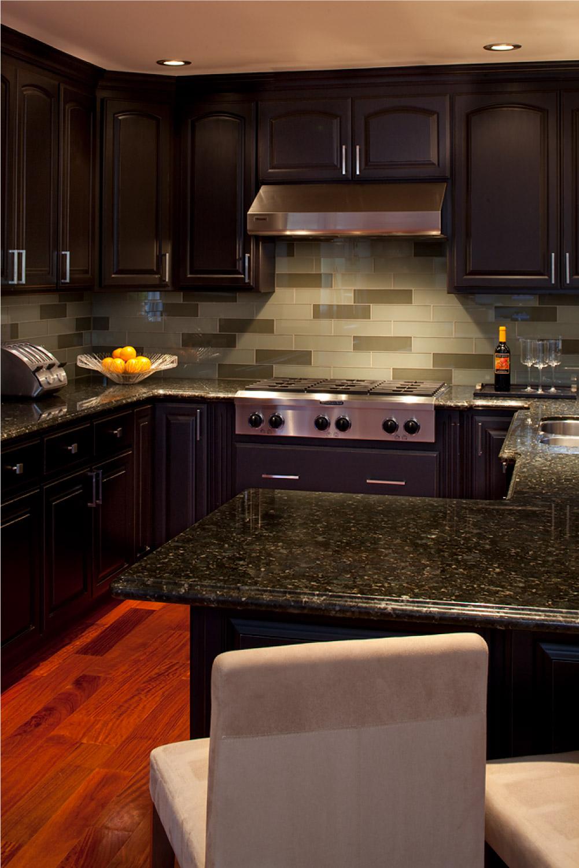 christian-kitchen-vert.jpg