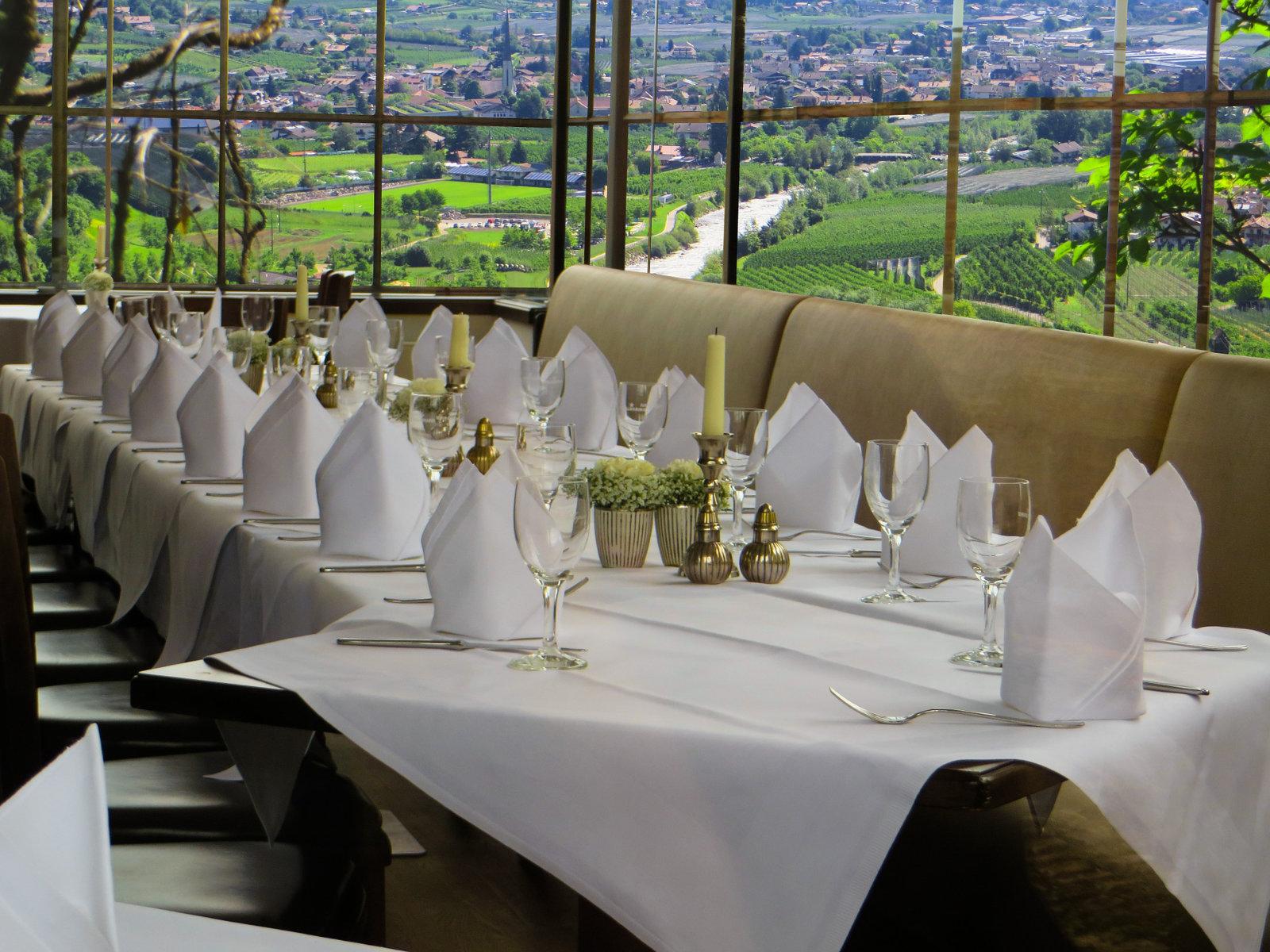 wedding-winery-view-table.jpg