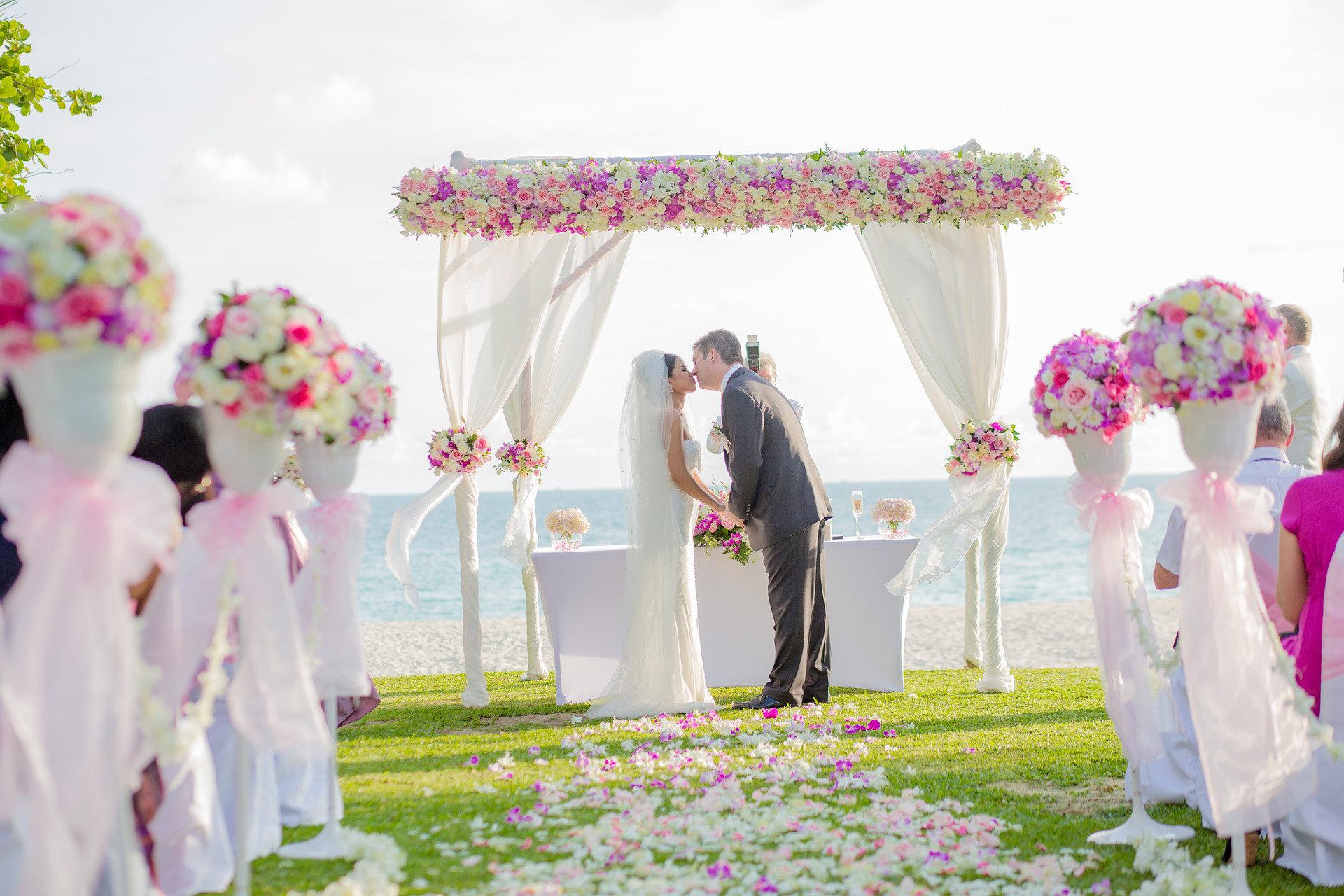 beach-wedding-kiss.jpg