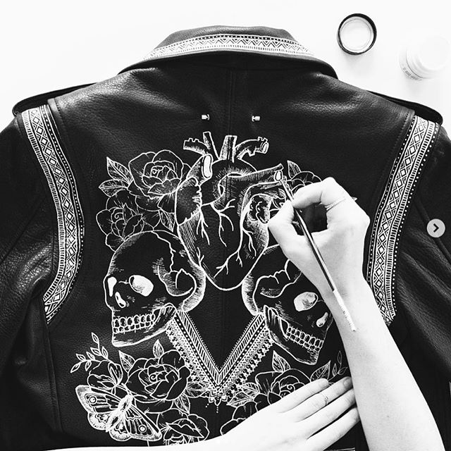 The ever talented @sarahskrlj hand painted this @bythenamesake leather jacket last season for the #ArtistCollaborationSeries which premiered at RE\SET™️ 004 ✨ ✨ ✨ Isn't it dreamy? We think ur the coolest Sarah! Keep doin' you! ✌️ These gorgeous unique pieces benefit @fash_rev and are available for purchase on the @bythenamesake website! 🔥 .⠀ .⠀ .⠀ #art #artist #canadianart #canadianartist #canadiantalent #talent #canadianart #visualart #tattoo #pain #handpainted #beautiful #artistcollab #toronto #torontotalent
