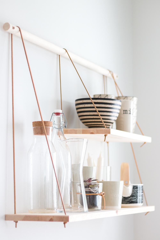 DIY | Hylla i skandinavisk stil | Trä och läder | Sandramarias.com