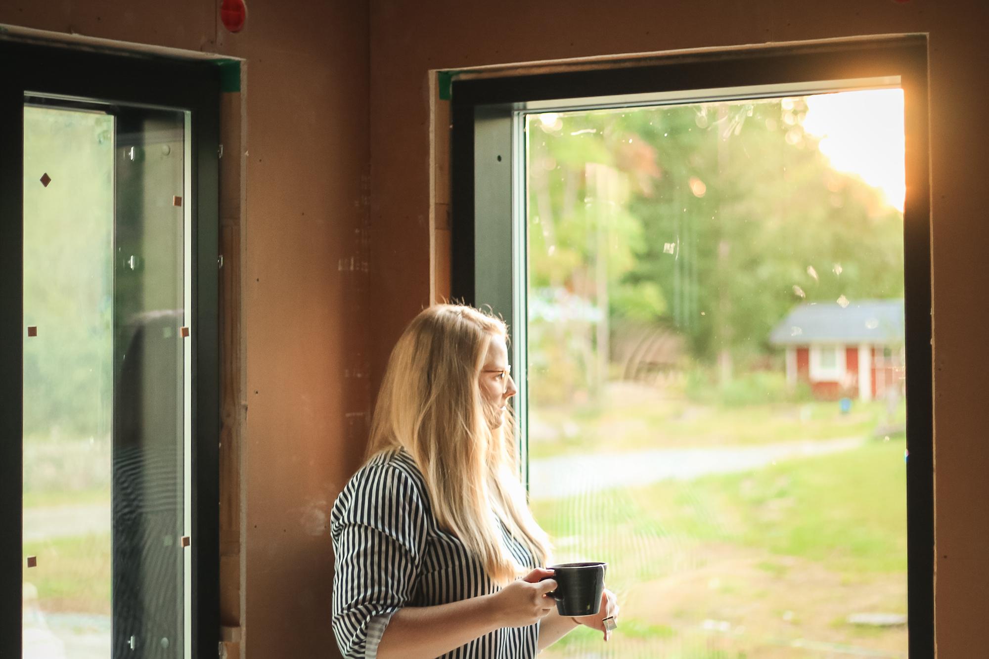 Building Home: We Have Windows! | Sandramarias.com