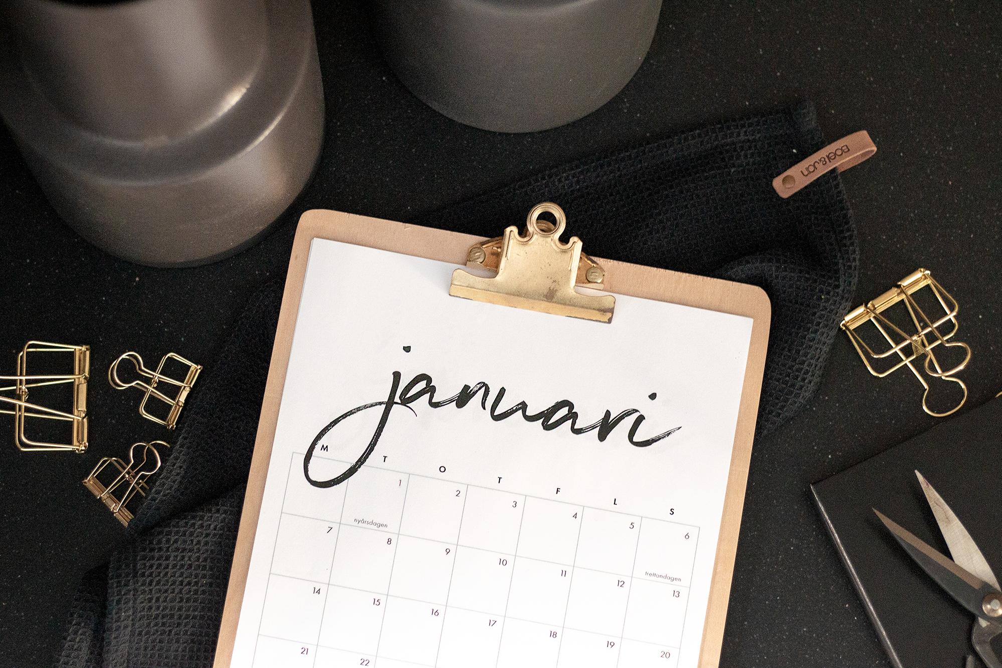 Gratis Kalender 2019 | Nerladdningsbar kalender | Finlandssvensk kalender | Printable calendar | By Sandramaria | Sandramarias.com
