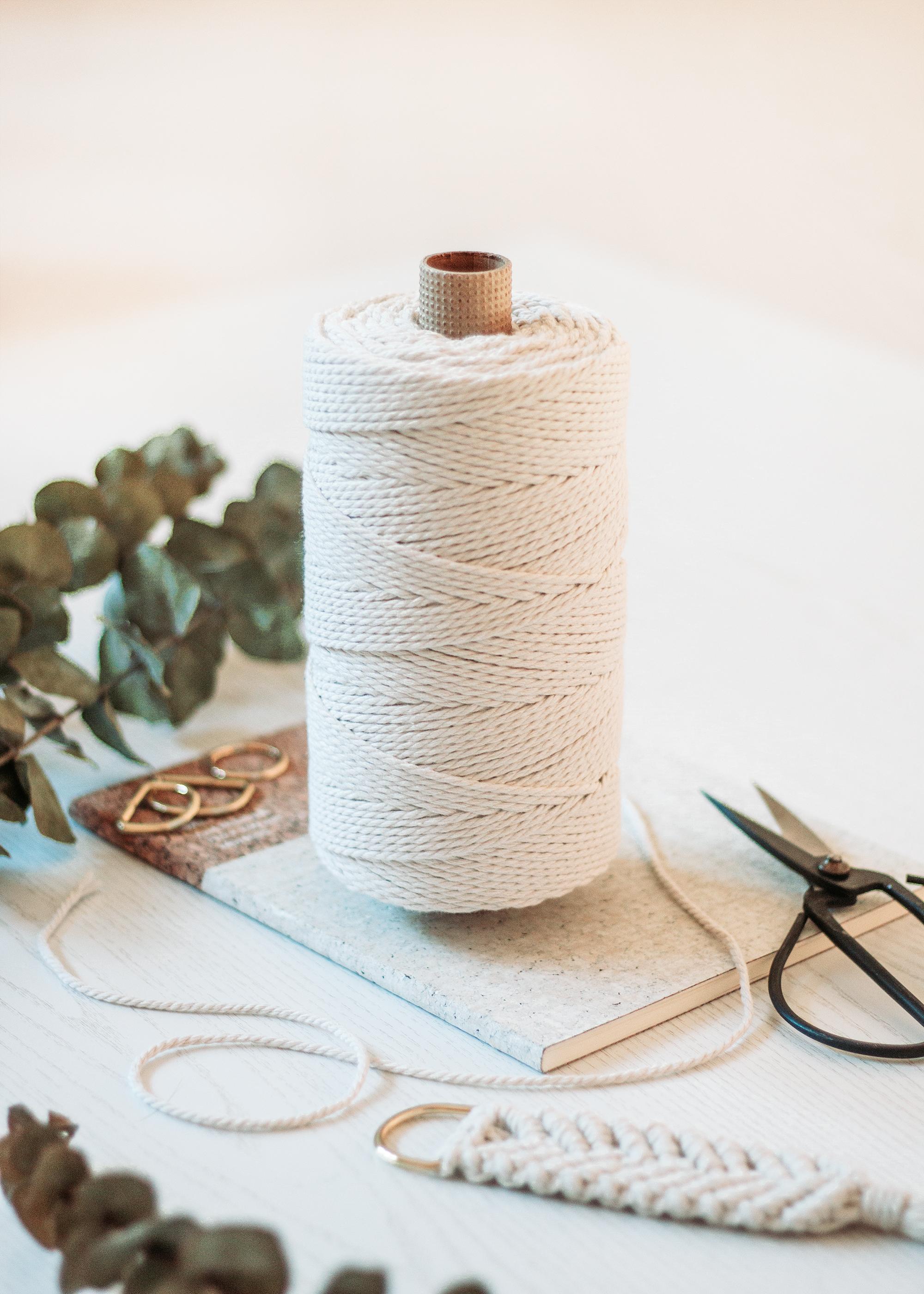 Vad du behöver för att knyta makramé | Makramématerial | Bra Makramégarn | Makers Mail by Sandramaria | Sandramarias.com