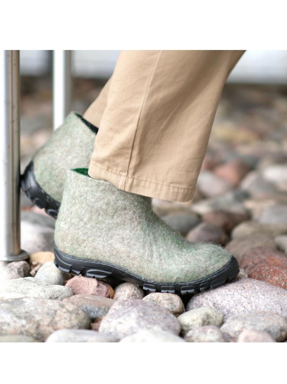 Men's Natural Wool Ankle Boots Winter Moss - FELT FORMA 6.jpg