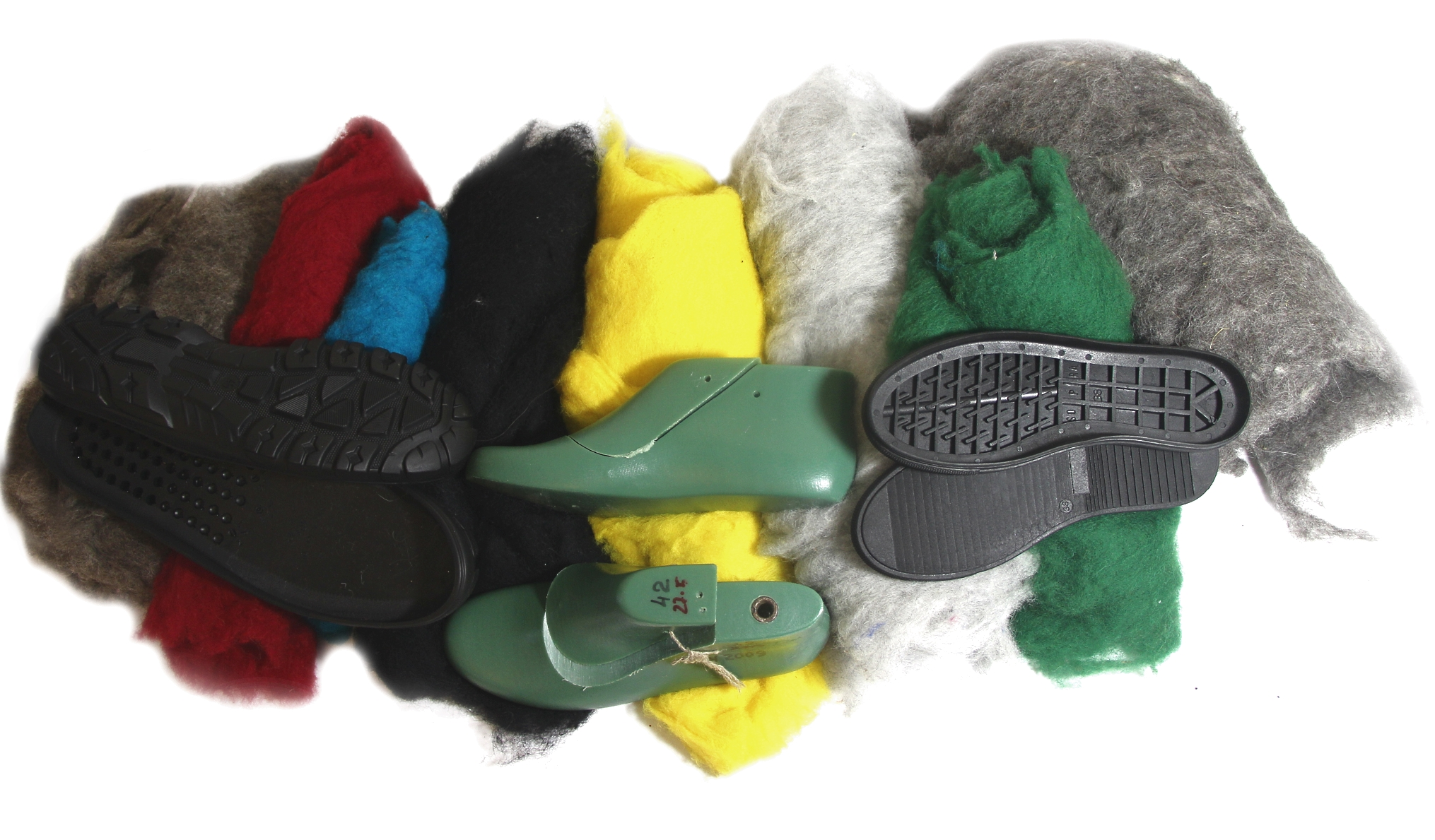 The organic wool for felting wool boots and felt shoes at FELT FORMA
