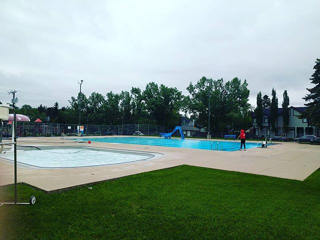 Spending our morning getting ready to open with a nice clean pool! We're even getting our wading pool all ready to go just incase the weather turns. Cmon by and say hello and maybe even swim!  #antiraindance #vacuumssuck #butthatsthepoint #beautiful #severalfilters