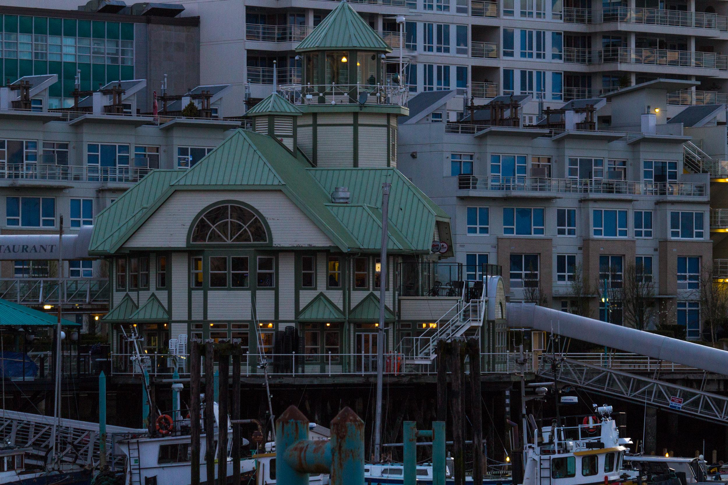 Lighthouse Bistro & Bar