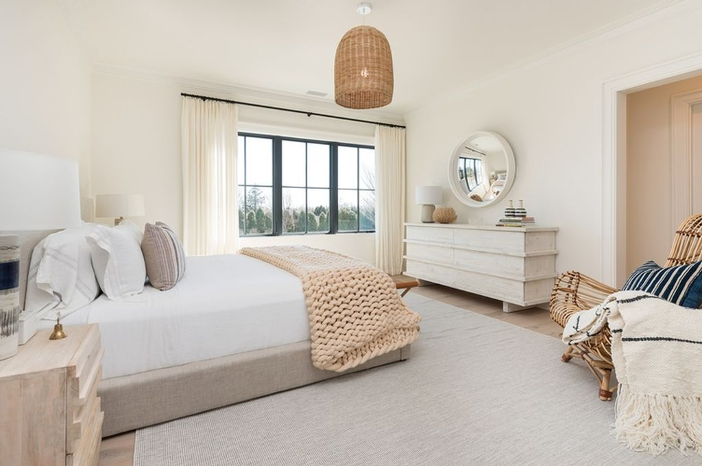 Beach Pretty House Tours:  Guest Bedroom