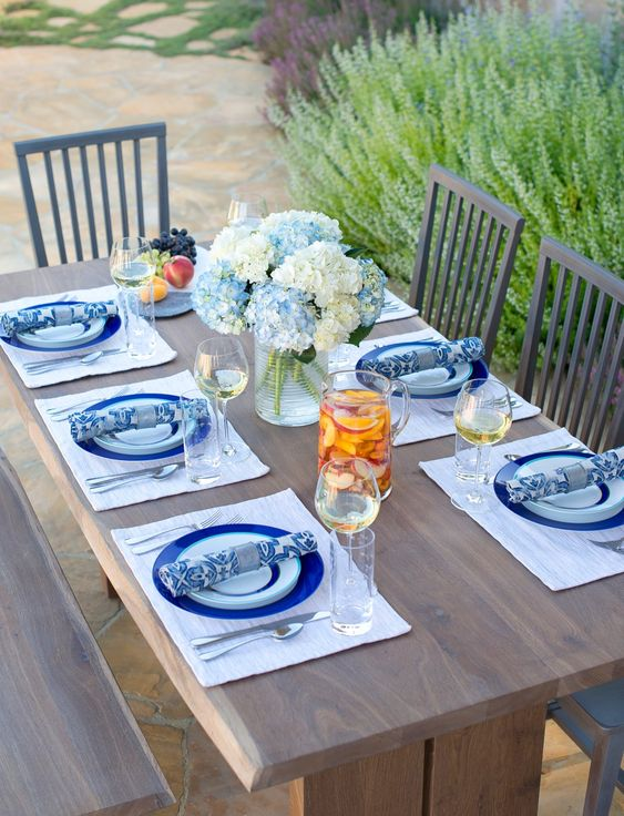- Summer Tablescapes