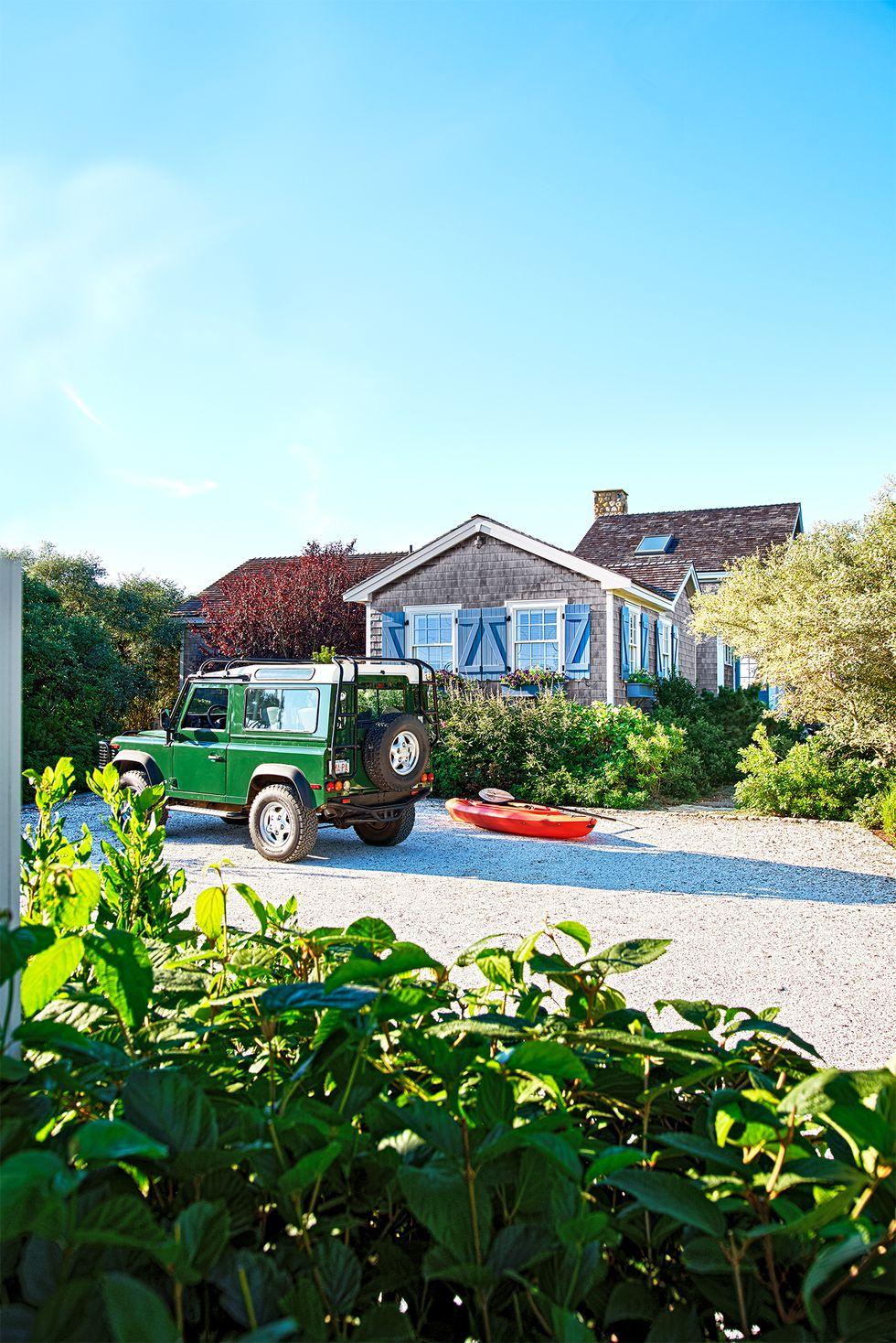 Beach Pretty House Tours-A Funky Quaint Beach Cottage on Marthas Vineyard 1.jpg