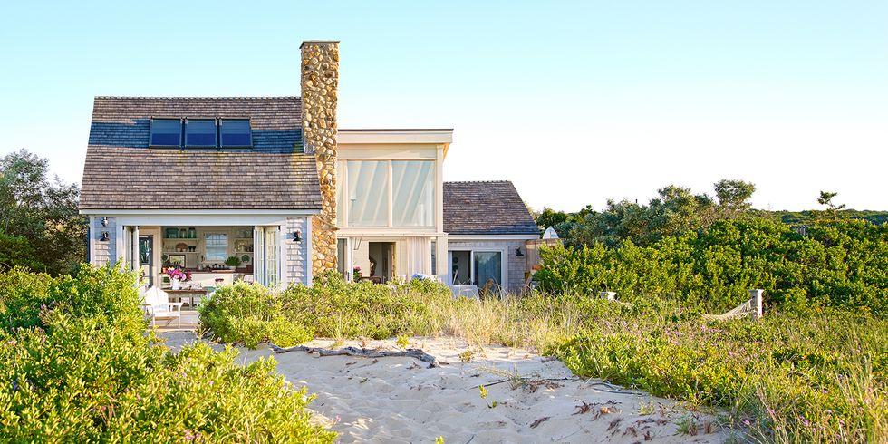 Beach Pretty House Tours-A Funky Quaint Beach Cottage on Marthas Vineyard.jpg