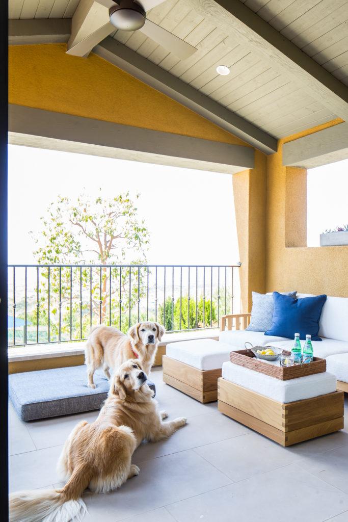 Beach Pretty House Tours-A Sick California Beach House 28.jpg