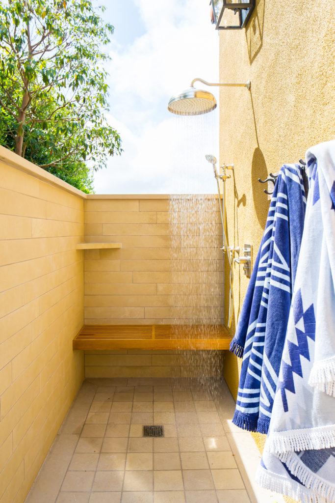 Beach Pretty House Tours-A Sick California Beach House 49.jpg
