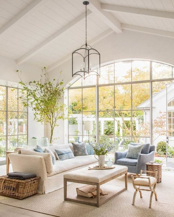White Couch|Gorgeous Sunroom