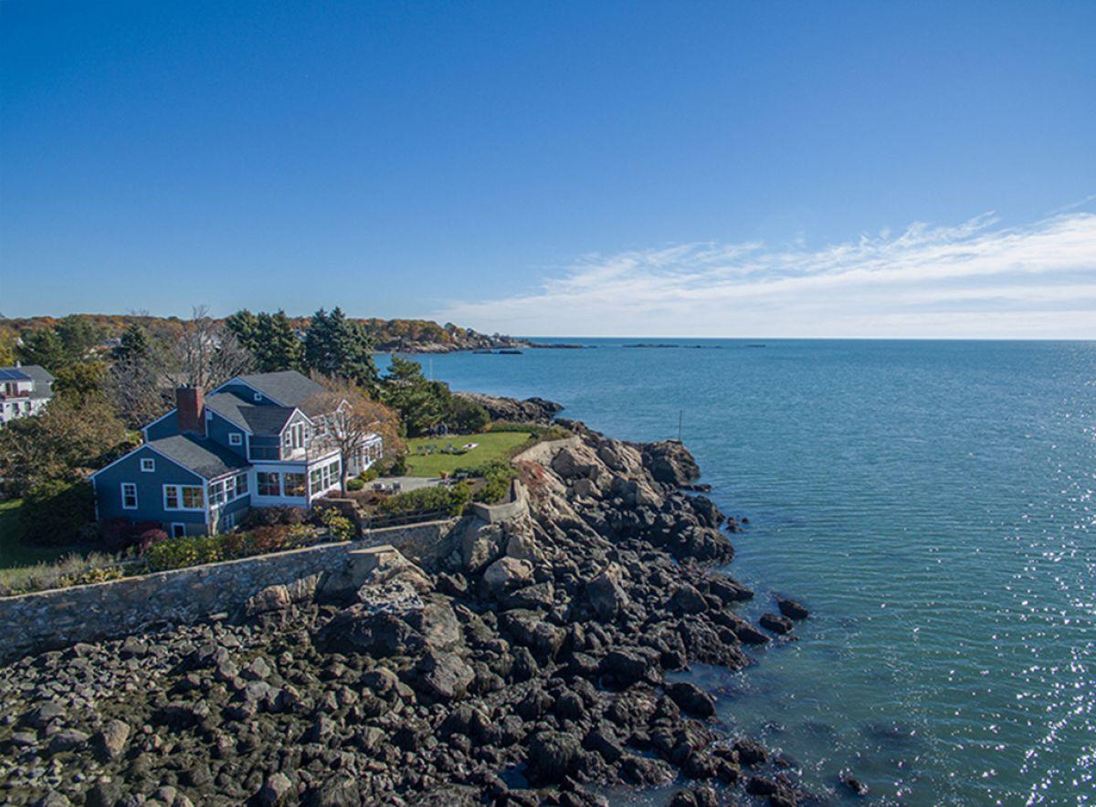 Beach House with a View 9.jpg
