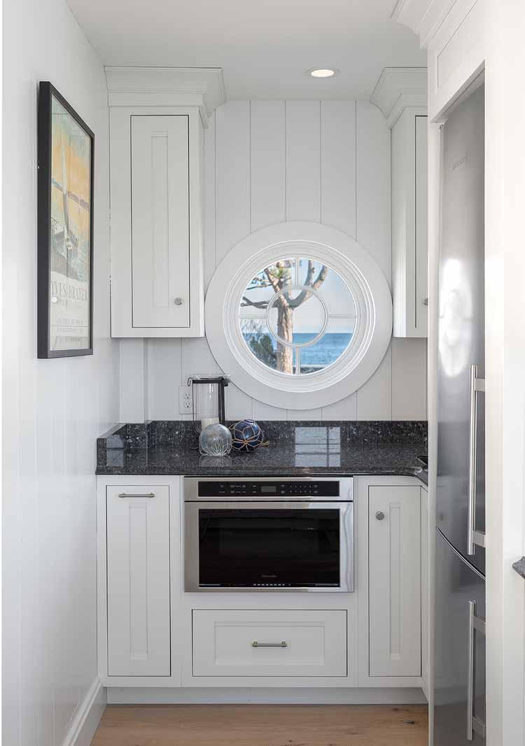 Dream House-A Modern Coveside Cottage 13.jpg
