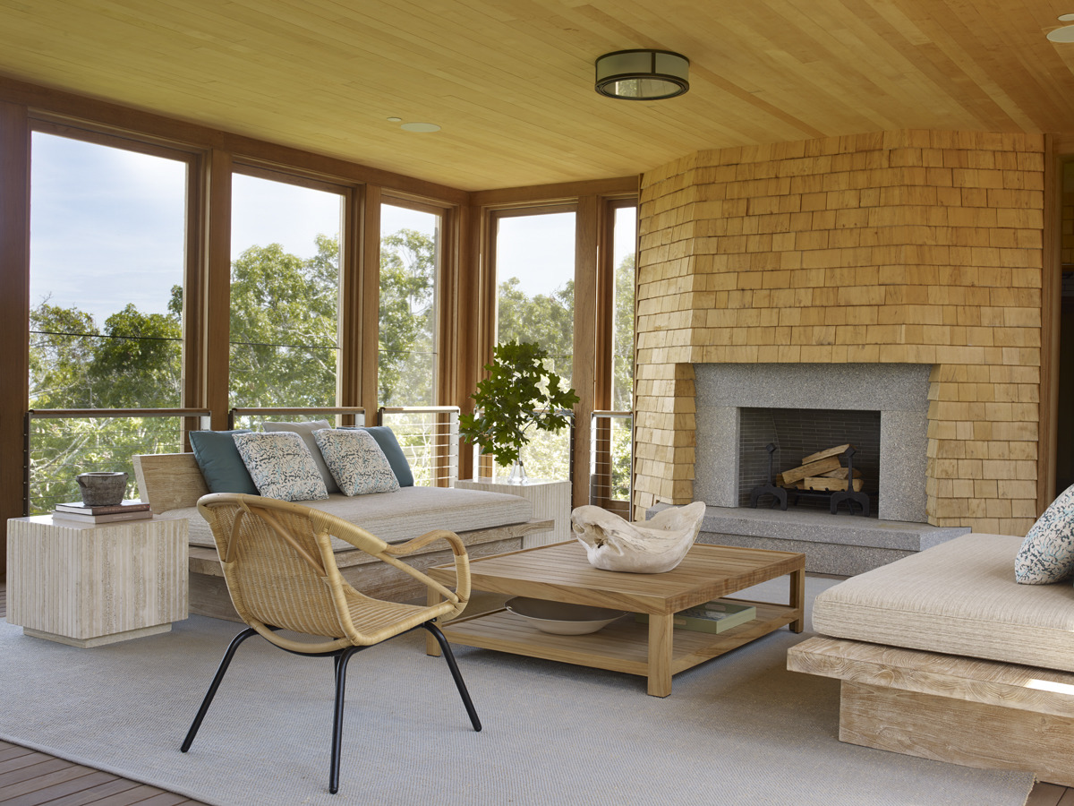 House Tours-Be Inspired by these Two Flawless Beach Houses 2.jpg