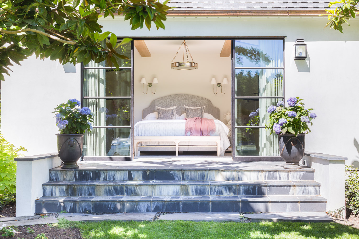 This Designer Created a Bainbridge Island Home that Flows with a Beautiful Timeless Sophistication  10.jpg
