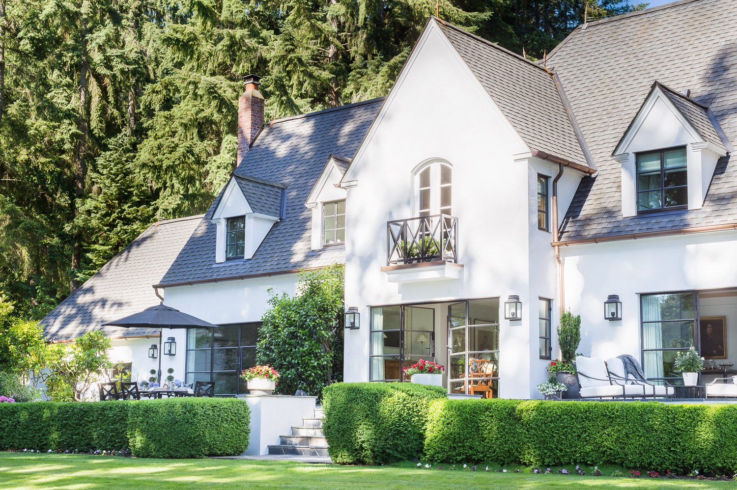 This Designer Created a Bainbridge Island Home that Flows with a Beautiful Timeless Sophistication  34.jpg